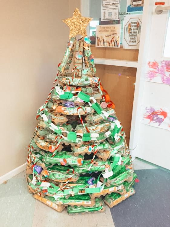 christmas tree made from egg carton